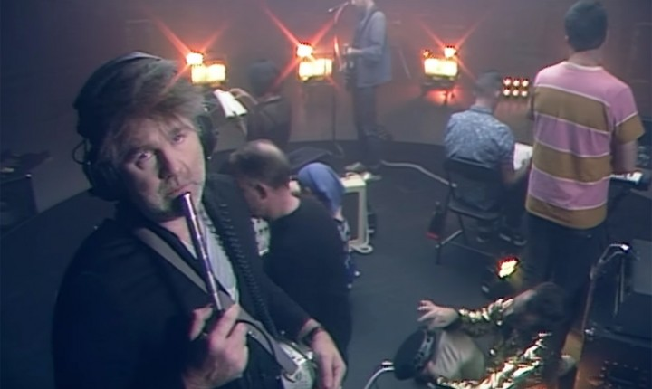 "LCD SOUNDSYSTEM ESTREIAM ""TONITE"""