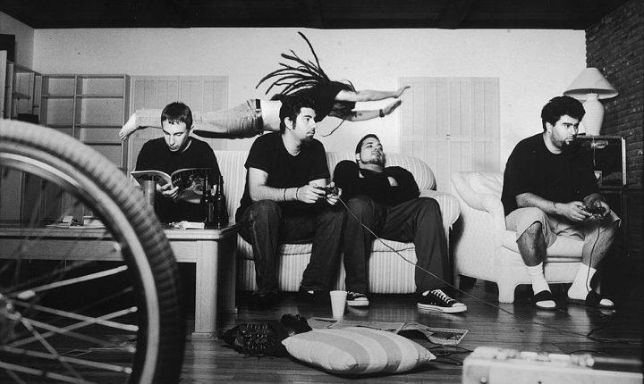 Robert Smith e Mike Shinoda convidados dos Deftones
