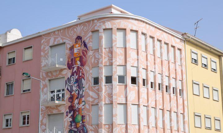 Carlos do Carmo em mural em Lisboa