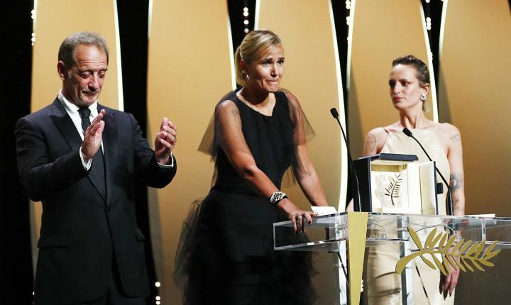"""""""Titane"""" vence Palma de Ouro em Cannes"""
