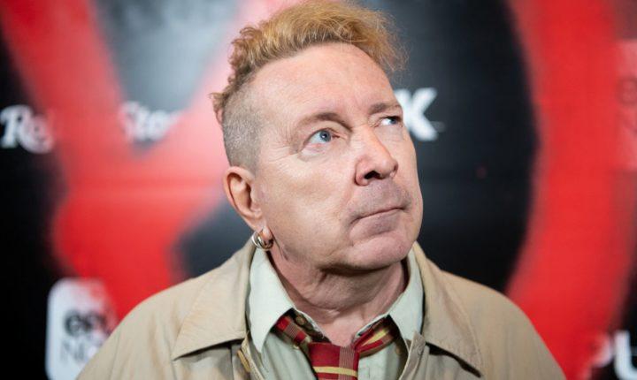 John Lydon: vocalista dos Sex Pistols diz-se financeiramente arruinado