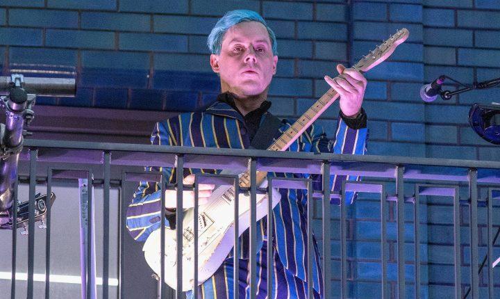 Jack White deu concerto surpresa em Londres